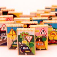 交通安全大全标识多米诺骨牌 益智木制积木玩具汽车品牌标志知识