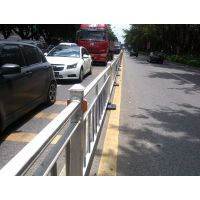 供应工厂直销优质道路隔离栏、热镀锌静电喷涂护栏、交通护栏、道路交通设施