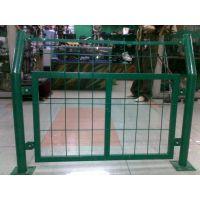 出售框架护栏网 公路护栏网 隔离栅 安平运德护栏网厂