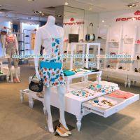 供应2014年Fornarina女装店铺设计和展示道具在富鸣白云区展柜厂生产