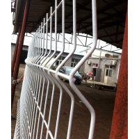 白色折弯护栏网、1.8米高小区围栏、小区铁栅栏隔离网