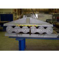 供应厂家生产加工钢结构廊桥,桁架辊轴支座