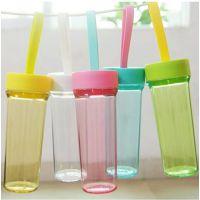 韩式创意手提绳彩单层塑料杯户外情侣便携防烫杯企业定制促销礼品