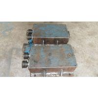 瑞祥混凝土水泥空心砌块制砖机高频振动器振动箱制造技巧