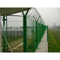 供应厂家专业制作各种规格 哨所钢网墙、禁区钢质围墙网