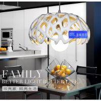 现代简约创意个性树脂半圆镂空单头餐吊灯吧台饭厅灯具