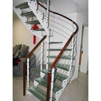室内钢木楼梯装修需考虑哪些方面