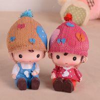 I2514 830帽子娃娃,情侣一对装爱你就要在一起,新款树脂工艺品