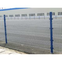 三角折弯护栏网,桃形立柱护栏网 围栏网隔离网
