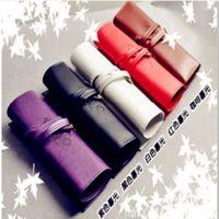 2013新款笔袋 复古皮质大容量卷笔袋 学生奖品礼品盒装化妆袋