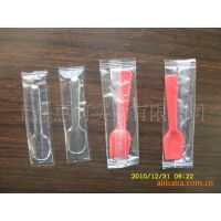 供应枕式包装机 小勺包装机 一次性勺子包装机 塑料勺子包装机
