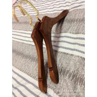 亿丰实木衣架复古棕色女款木衣架服装展示厂家批发