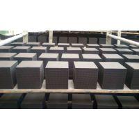 河北鸿鑫防水型蜂窝活性炭HX-A4厂家直销价格***低
