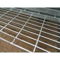 江苏泰州车间操作平台锯齿防滑格栅板 专业定做机械操作平台钢格板