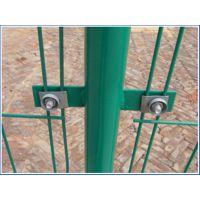 瑞才批发3.5-5.0mm场地双边建筑围栏网价格最低