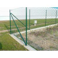 银妙丝网现货供应草绿双边丝护栏网