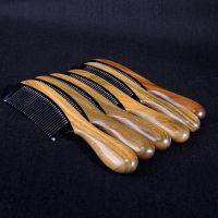 高档精品绿檀木牛角合木梳子厂家通货批发 加厚精品圆柄角木梳子