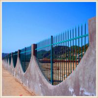 学校锌钢护栏网 安全性高、自洁性好、防腐能力强