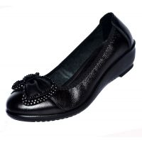 头层牛皮中老年女鞋妈妈鞋真皮单鞋坡跟平底浅口大码女式皮鞋批发