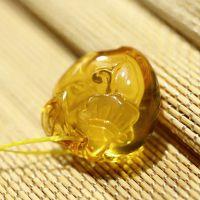珠宝厂家直销天然精雕琥珀挂件 金珀桃子如意吊坠