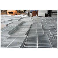 供应广西南宁钢格板,钢格栅板,锯齿防滑楼梯踏步板,排水沟盖板,