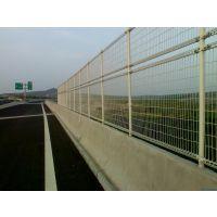小区护栏网为什么要用锌钢栅栏