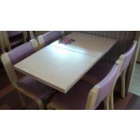 供应德克士汉堡王餐桌 德克士快餐店餐桌椅 德克士风格的实木桌椅