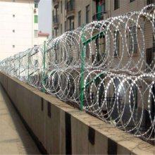 顺旺热镀锌刀片刺丝 带刺铁线 防攀爬监狱围墙刺网