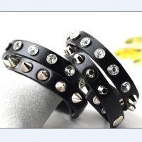 CR433 两圈带钻皮革铆钉手镯手环手链