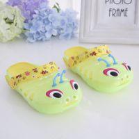 夏季新款童鞋 可爱卡通毛毛虫小中儿童果冻鞋 休闲防滑洞洞凉拖鞋