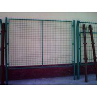厂家供应优质电焊网 护栏网 公路防护网 安装规格