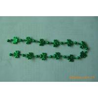 生产各种塑料珠子、真空镀膜的珠子、项链、手镯、和其他饰品,