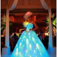 光纤发光婚纱。光纤通体导光材料