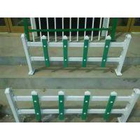 生产供应白色草坪护栏、pvc塑钢草坪护栏
