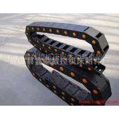 大量批发各种规格塑料拖链.尼龙拖链.桥式拖链.全封闭拖链。