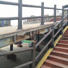 供应四川混凝土护栏 阳台栏杆 彩色水泥栏杆 公园栏杆