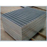 2018年瑞才方型热镀锌钢格板生产定做(3-5cm高)