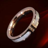 新款外贸ebey速卖通货源 三钻镶贝壳镀18K玫瑰金钛钢戒指低价批发