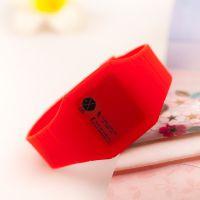 【红色】EXO m K mama 鹿晗 官方 同款 周边 LED 超薄 触摸屏手表
