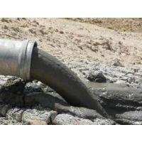 天津东丽区改独立下水管 抽淤泥