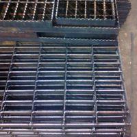 厂家直销镀锌钢格板,格栅板、、踏步板、沟盖洗车专用板