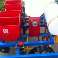 四轮拖拉机带花生播种机 合作社专用覆膜种植机 2017畅销