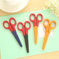B14-1-02 新款剪刀 儿童美工剪刀 学生手工剪刀 带保护套