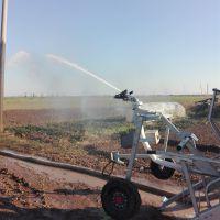 中小型自走喷灌设备喷洒均匀 大成牌水涡轮驱动喷灌机