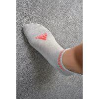 青岛adidas原单袜子批发,纯棉阿迪达斯袜子,量大价低质量好!