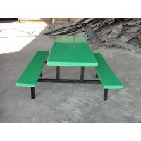 东莞厂家直销各种餐桌椅饭店餐桌食堂连体餐桌椅免费送货安装