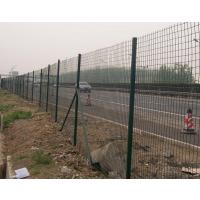 高速公路涂塑焊接网铁丝浸塑荷兰网围栏护栏