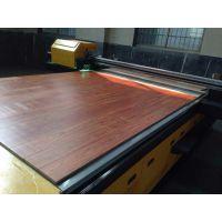 在木板上打印木纹的精工平板打印机