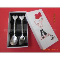 节庆用品 纸盒套装餐具  纸盒两件套  情侣心型两件套