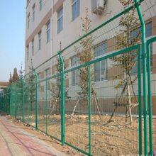 工业园围墙防护栏杆 新会水库隔离网 桃形立柱护栏安装 钢材